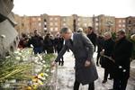 Կարեն Կարապետյանը Գյումրիում հարգանքի տուրք է մատուցել 1988-ի երկրաշարժի զոհերի հիշատակին (07.12.2017)