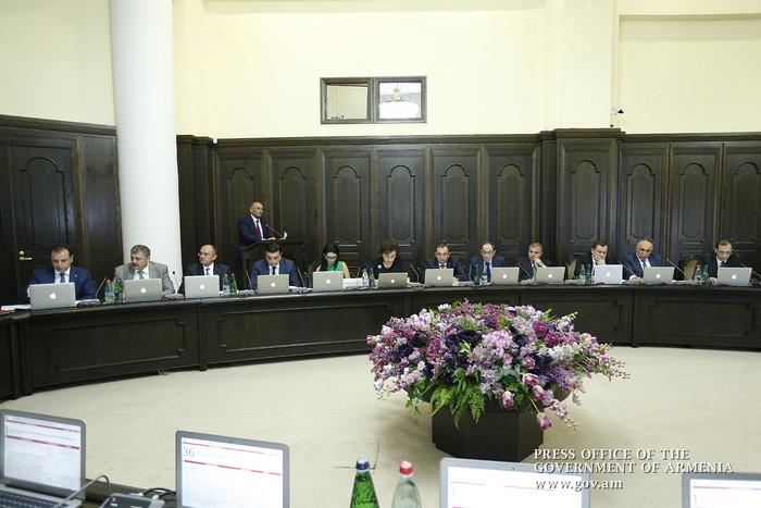 «Жоховурд»: Действующие министры продолжают работать по чьей-то протекции …