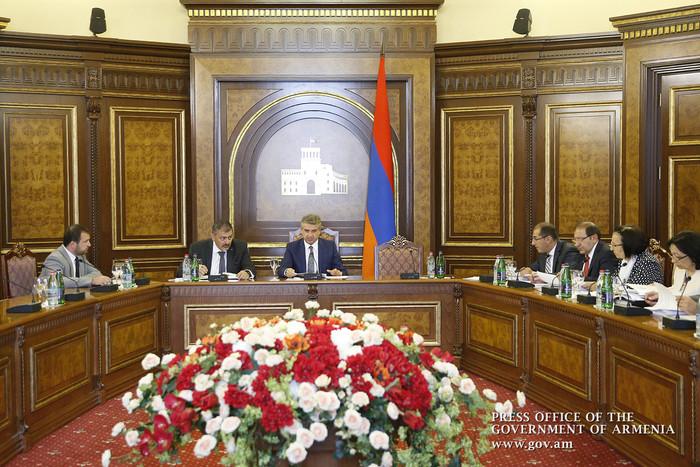 В Армении продолжаются обсуждения по проекту государственного бюджета на 2017 г.