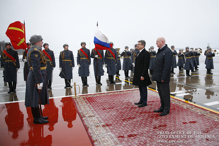 Մոսկվայում հանդիպել են ՀՀ և ՌԴ վարչապետերը