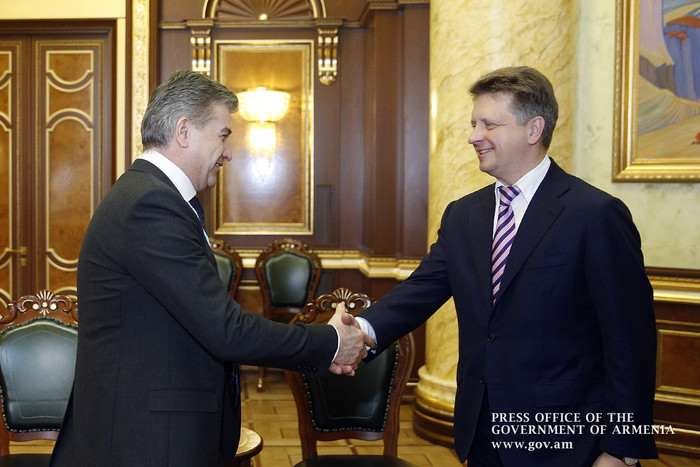 Глава Минтранса России на встрече с премьером Армении отметил важность создаваемой в Мегри свободной экономической зоны