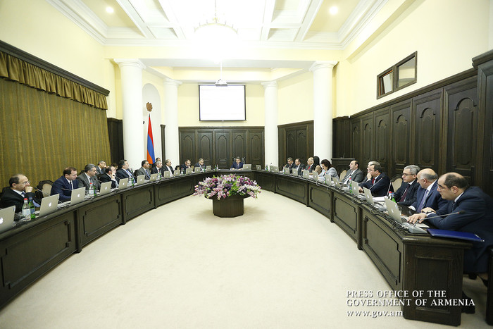 Жителям приграничных сел Армении могут предоставить оружие в случае обострения противником ситуации