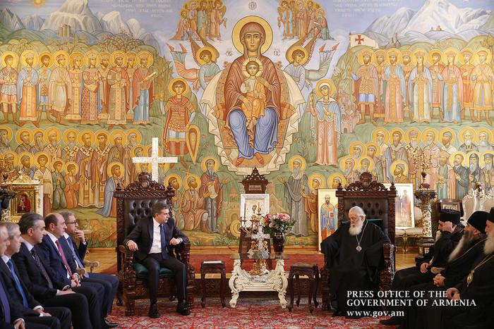 Патриарх Грузии на встрече с премьером Армении: Мы должны думать об обеспечении благоденствия наших народов