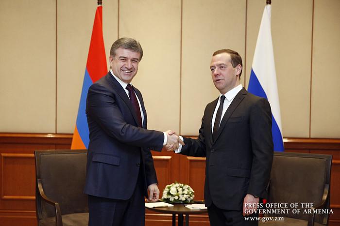 Կարեն Կարապետյանն առանձնազրույց է ունեցել ՌԴ կառավարության ղեկավար Դմիտրի Մեդվեդևի հետ