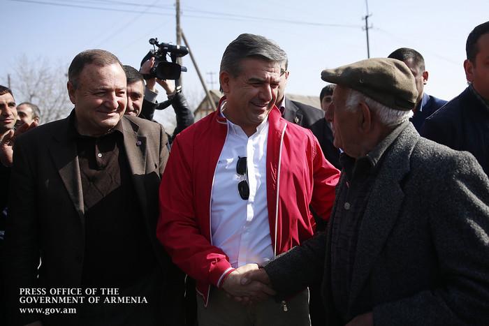 Премьер Армении: В республике будет создана сеть, чтобы фермеры могли также арендовать сельхозтехнику