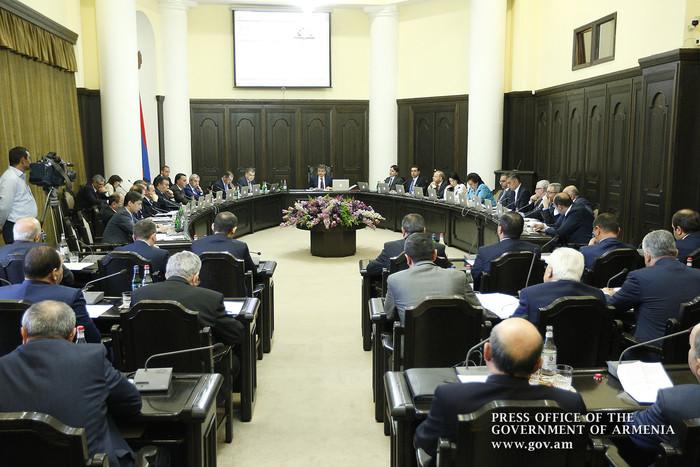 Бремя для предприятий МСБ не должно расти: премьер Армении коснулся акций сотрудников ярмарок