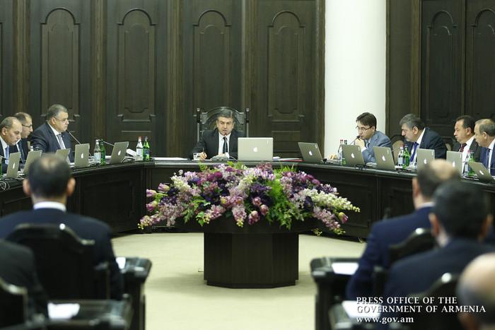 Врио министра-руководителя аппарата правительства Армении назначен Ваге Степанян