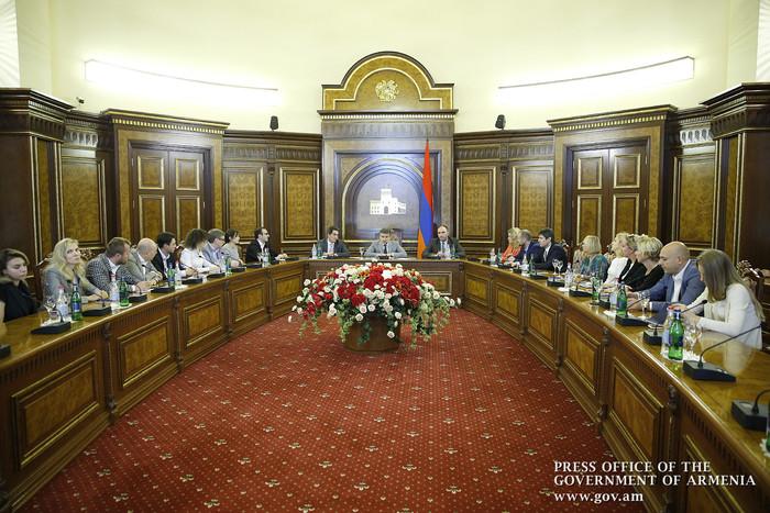 Карен Карапетян обсудил с представителями «Сколково» реализацию инвестиционных бизнес-проектов в Армении
