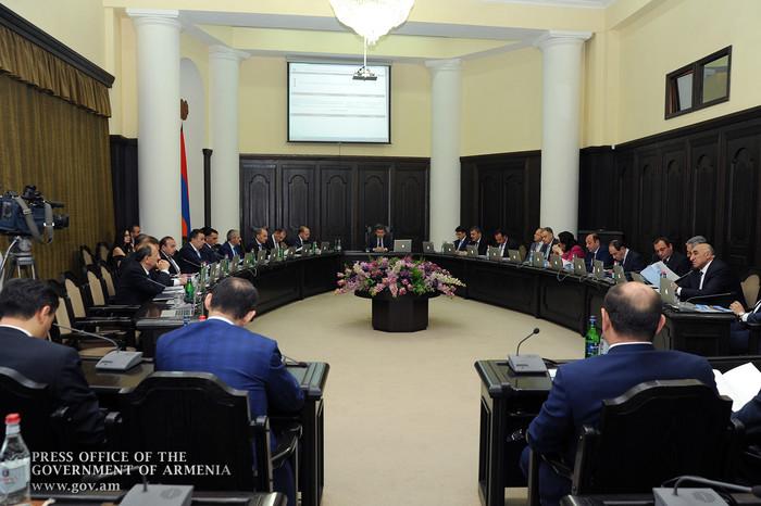Премьер Армении – членам правительства: Продолжаем работу в том же режиме, 6 дней в неделю