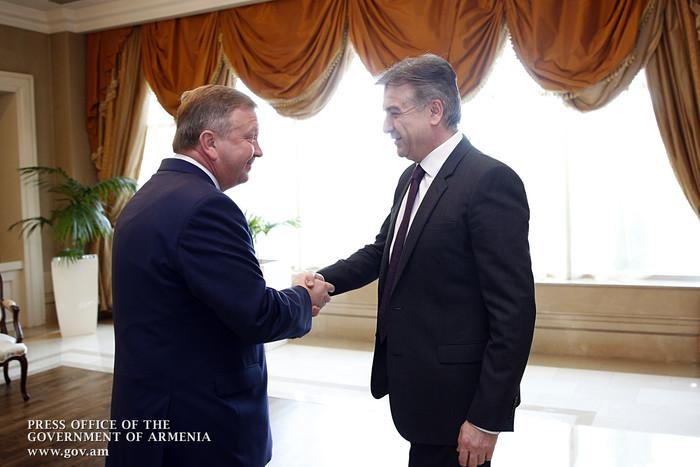 Премьер-министр Армении обсудил с белорусским коллегой повестку двусторонних экономических связей