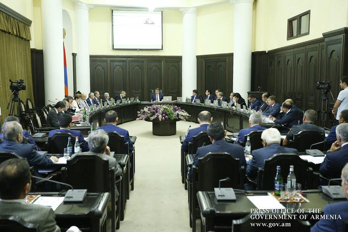 Карен Карапетян дал поручения касательно штрафов за нарушения в налоговой сфере