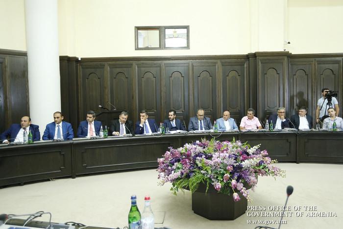 Запасы раков сократились: премьер Армении К.Карапетян поручил принять срочные меры
