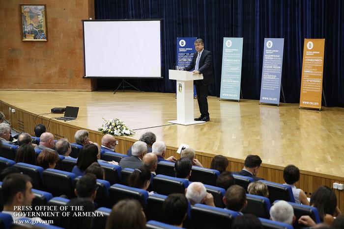 Карен Карапетян: Малая экономика может стать нашим преимуществом