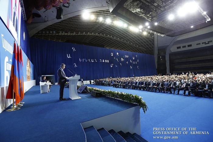 Карен Карапетян желает остаться в должности премьера в 2018 году