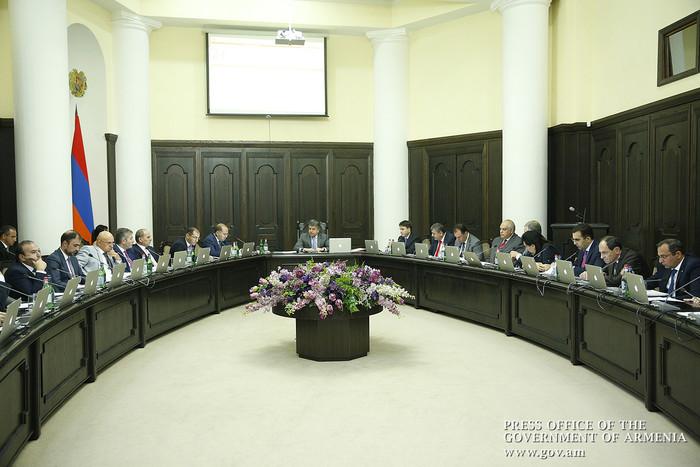 Новое поручение премьера Армении Карена Карапетяна – проследить за выполнением предыдущих