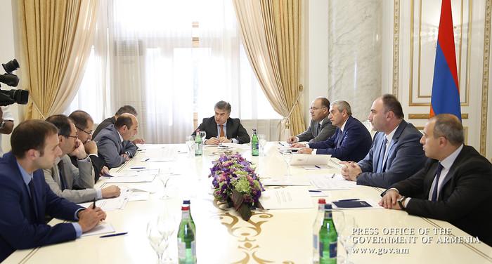 Карен Карапетян провел первое заседание Совета попечителей Фонда «Цифровая Армения»