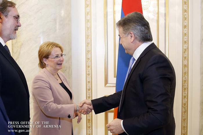 Премьер Карен Карапетян на встрече с В. Скворцовой отметил конструктивность сотрудничества Армении и России в сфере здравоохранения