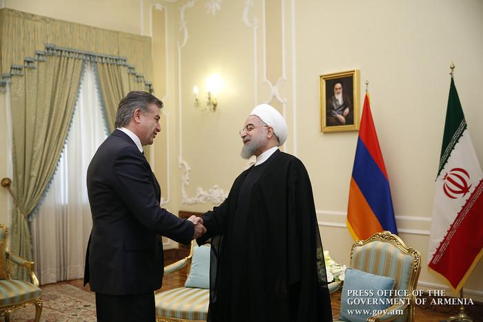 Премьер Армении и президент Ирана обсудили в Тегеране процесс карабахского урегулирования