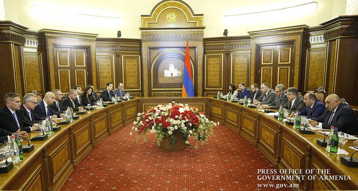 Карен Карапетян призвал инвесторов рассматривать Армению как хорошую площадку для выхода на рынки ЕАЭС и Ирана