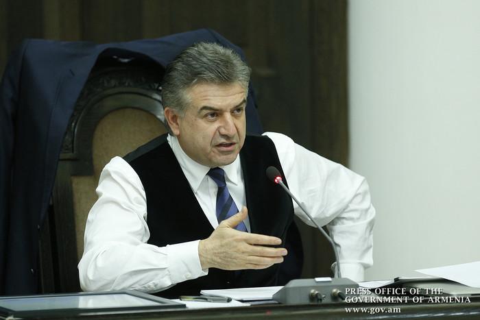 Премьер Армении объявил войну пробкам в Ереване