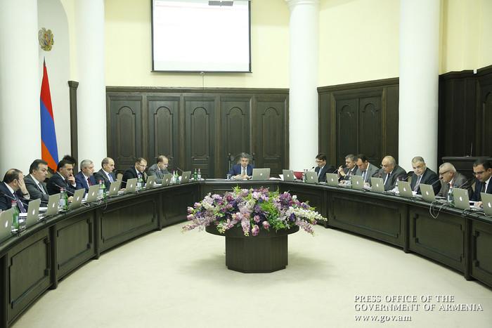 В Армении вводится запрет на проведение референдумов в ходе военного и чрезвычайного положения