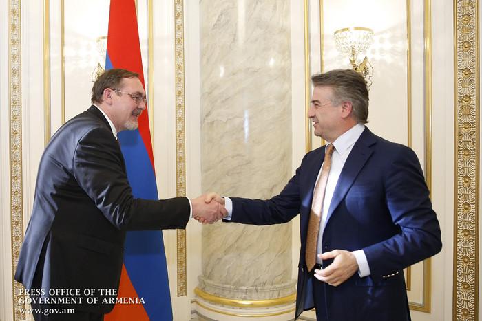 Премьер министр и посол РФ обсудили детали визита Дмитрия Медведева в Армению
