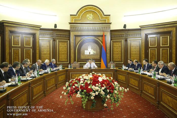 Совещание у премьера Армении: планируется отменить талоны техосмотра автомобилей