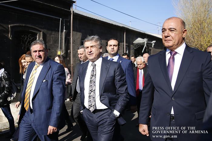 В Гюмри премьеру Армении представлен ход реализации программы развития исторического центра Кумайри