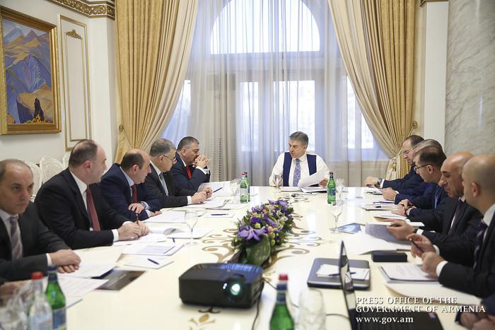 Карену Карапетяну представлен отчет о деятельности фонда «Цифровая Армения» за 2017 год