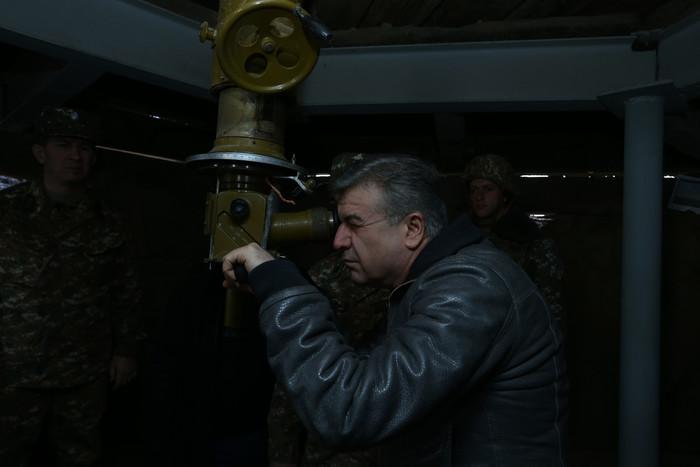 Премьер-министр Армении поздравил военнослужащих с новогодними праздниками