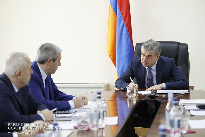 Карен Карапетян посетил Минтранса: обсуждался вопрос повышения цен на газ, дизтопливо и бензин