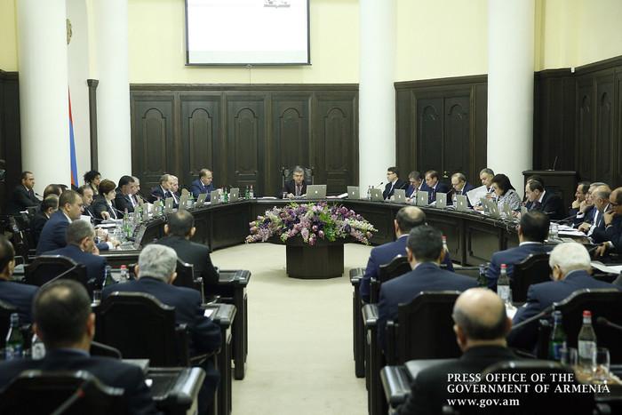 Правительство Армении отклонило инициативу фракции «Елк» по сокращению рабочего времени одного из родителей посещающих детсад малышей
