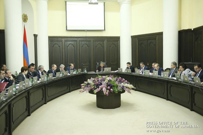 Правительство Армении упростило процедуру выдачи разрешений на работу для зарубежных врачей