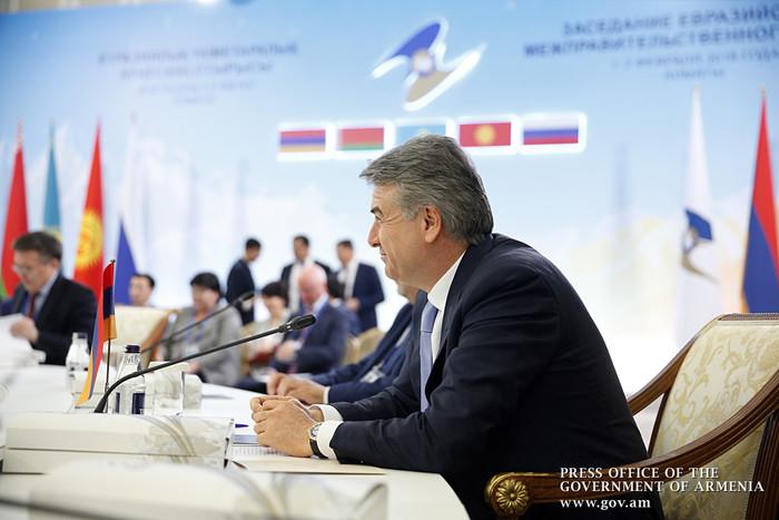Премьер-министры Армении и Узбекистана обсудили углубления торгово-экономических связей