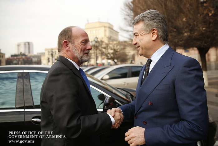 Премьер Армении принял делегацию во главе с председателем Национального совета Швейцарии