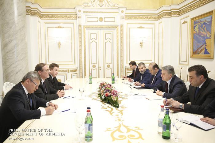 Премьер Армении и посол России обсудили перспективы расширения армяно-российских экономических отношений