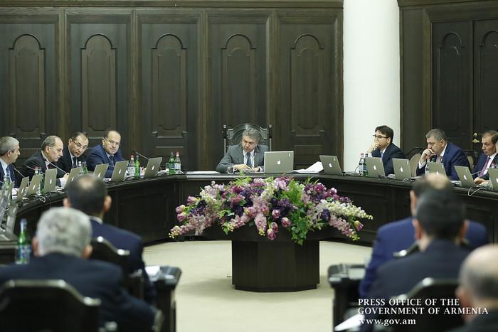 Премьер Армении поручил пересмотреть градостроительные нормы здравоохранительных учреждений