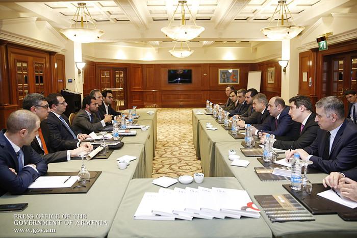 Премьер Армении обсудил с ливанскими предпринимателями инвестиционные возможности