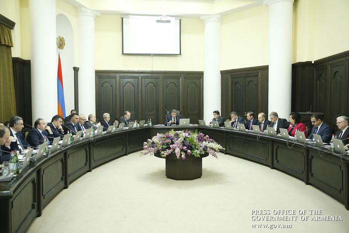 «Жаманак»: Радикальных изменений в составе правительства и власти не будет