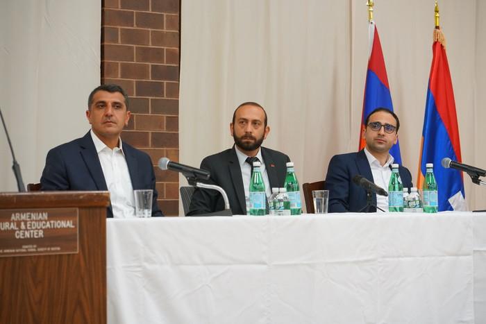 Tigran Avinyan Meets with Armenian Community Representatives in